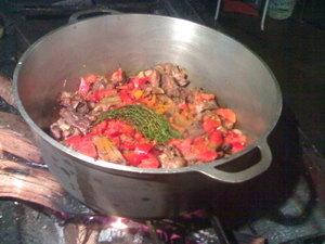 Cuisine r unionnaise carry dinde aux feu de bois - Cabri massale cuisine reunionnaise ...